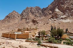 St%20Catherine's%20Monastery%20with%20Jebel%20Musa,%20tb062205290
